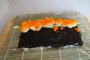 tobiko-on-suhsi-roll